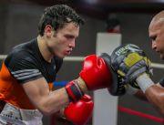 Julio Cesar Chavez Jr Tertekan Lawan Legenda UFC Anderson Silva