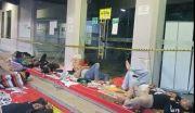 Sudah Tiga Hari Puluhan Driver Ojek Online Duduki Kantor Grab Surabaya