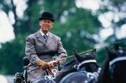 Dikenal Fashionable, Inilah Brand-Brand Fashion Favorit Langganan Pangeran Philip