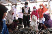 PKS DKI Gerebek Beli Ikan dan Berikan Asuransi Nelayan di Kamal Muara