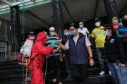 Sambut Ramadhan, Anies Tinjau Kerja Bakti Membersihkan Masjid di Jakarta