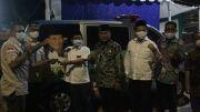 Anggota Komisi B DPRD DKI Bantu Warga Kebayoran Lama Utara Ambulance