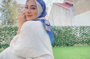 Penyanyi Liza Aditya Mantap Berhijab, Langsung Hempas Foto-Foto Seksi