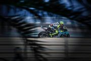 Masih Saja Balapan di MotoGP, Valentino Rossi Dianggap Terlalu Egois