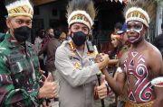 Dicintai Pelajar dan Mahasiswa Papua, Kombes Leo Dinobatkan Jadi Orang Tua Asuh