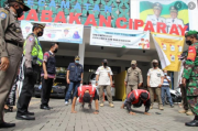 Halau Kerumunan Ngabuburit, Satpol PP Bandung Kerahkan 700 Personel
