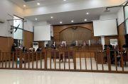Ahli Bahasa dari Jaksa Tak Hadir, Sidang Jumhur Ditunda