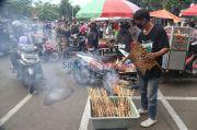 TNI-Polri-Satpol PP Awasi Ketat Prokes di Pasar Ramadhan dan Pasar Takjil