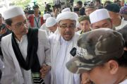 Habib Rizieq Raih Gelar Doktor, Hidayat Nur Wahid Ucapkan Selamat