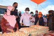 Hamim-Merlan Monitoring Harga Bahan Pokok di Pasar Jumat Kabila