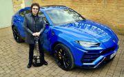 Godfather of Metal Jatuh Cinta dengan Lamborghini Urus