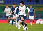 Mourinho Yakin Tottenham Bisa Finis di Empat Besar