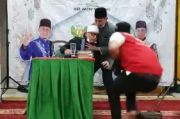 Ustaz Zacky Mirza Pingsan saat Ceramah Tarawih di Siak Riau