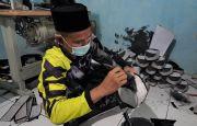 Makin Percaya Diri dengan Songkok Buatan Desa Dlisen Batang