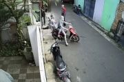 Kondisi Ramai, 2 Manusia Silver Nekat Gasak Motor di Cipulir