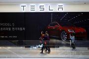 Saham Tesla Jatuh Usai Kecelakaan Fatal, Wall Street Menjauhi Rekor Tertinggi