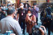 Mensos Jenguk dan Santuni Korban Bom Gereja Katedral Makassar