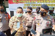 Persiapan Sekolah Tatap Muka, 2.000 Tenaga Pendidik di Kota Depok Divaksin