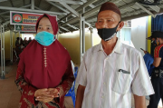 Usai Divaksinasi, Pasangan Lansia Ini Berharap Bisa Menunaikan Haji