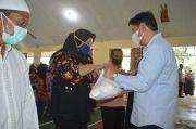 Pemkab Bonebol Serahkan 492 Paket Sembako Murah bagi Masyarakat Kabila