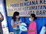 Srikandi BNI Salurkan Bantuan ke Korban Kebakaran di Tambora