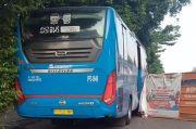Warganet Kembali Dibuat Kesal, Proyek Galian di Mampang Hambat Laju Bus Transjakarta