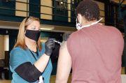 77 Narapidana di Penjara Iowa Overdosis Vaksin COVID-19 Pfizer
