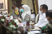 Sambut Kepulangan 14.000 PMI, Gubernur Khofifah Siapkan Tempat Karantina