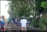Asyik Main Gadget di Atas Rel, Sopir Truk di Pasuruan Tewas Berantakan Dihantam Kereta