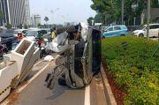 Beton Pembatas Jalur Sepeda Ditabrak Mobil, Dishub DKI: Mungkin Pengemudi Ngantuk