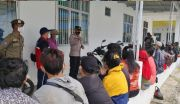 Polisi Gagalkan Penyelundupan 31 WNI ke Malaysia, Tekongnya Kabur Lompat ke Laut