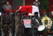 Detik-Detik Penghormatan Terakhir kepada Jenazah Kabinda Papua
