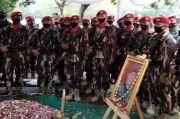 Penghormatan Terakhir, Hymne Kopassus Menggema di Pemakaman I Gusti Putu Danny