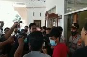 Kasus KDRT Hanya Tuntut Oknum DPRD 1 Bulan Penjara, Massa HMI Mengamuk di Kejari Dompu