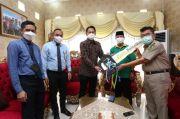 Dirut Bank Sulselbar Serahkan Bantuan Mobil untuk Baznas Palopo
