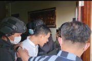 Sempat Salat Asar, Munarman Ditangkap di Depan Anak-Istri