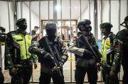 Sebut Temuan Polisi Bukan Bahan Bom, Kubu Munarman: Itu Deterjen dan Pembersih Toilet!