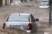 Sekitar Kakbah Banjir, Ustaz Yusuf Mansur Ajak Masyarakat Doa Tolak Bala