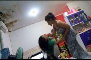Kejam! Ibu Muda Seksi Berdaster di Bogor Tampar dan Banting Anak