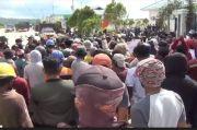 Demo Ratusan Buruh Bongkar Muat di Kendari Berujung Ricuh