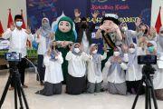 Kompetisi Bahasa Inggris SD Khadijah Surabaya Tepis Ketidaksuksesan PPJ