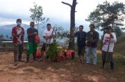Ngabuburit, Pemuda Muhammadiyah Tana Toraja Tanam Pohon di Mapongka