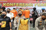 Polisi Bekuk Kakak Beradik Pembuat Tembakau Industri Rumahan di Bogor