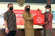 Sembilan Kelurahan di Gresik Terima Bantuan 1.900 Paket Sembako dari SIG