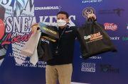 Kepincut Produk Lokal, Menparekraf Sandiaga Uno Kalap Belanja di Pameran Sneaker