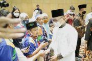 Safari Ramadhan di Jatim, Zulhas Santuni Anak-anak Difabel Dhuafa
