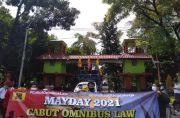Peringati May Day, Massa Buruh Geruduk Kantor Wali Kota Bekasi