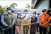 Ridwan Kamil Serahkan Bantuan Rp1 Miliar untuk Korban Banjir-Longsor Kupang