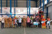 Pelindo IV Bantu Kendaraan Sampah dan Iuran BPJS Nelayan Sekitar MNP