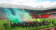 Suporter Man United Rusuh di Old Trafford, Laga Kontra Liverpool Terancam Ditunda